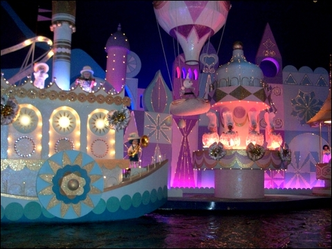 http://anadyomene.cowblog.fr/images/DisneyLand/2010073.jpg